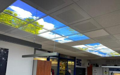 Pannelli luminosi con finestra a effetto cielo
